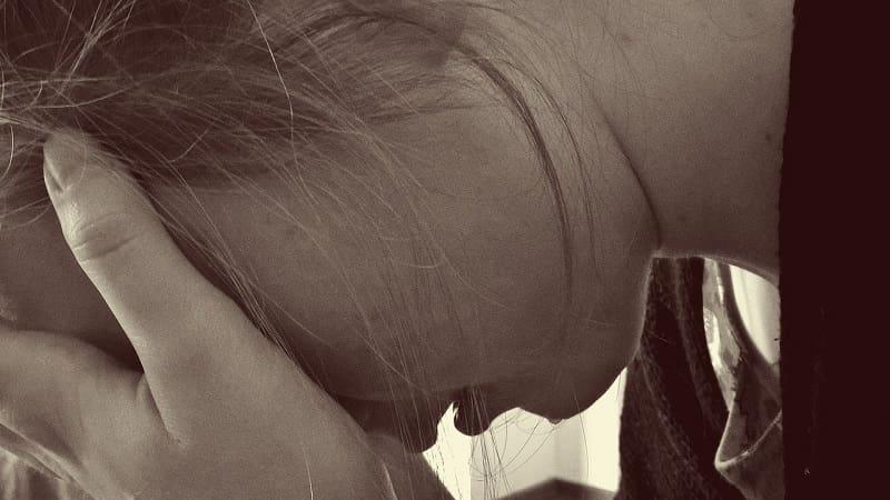 泣くことがストレス解消になる理由