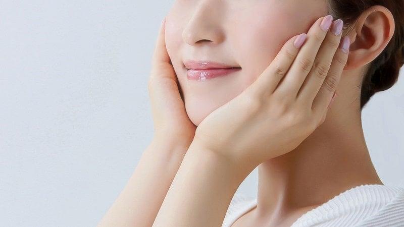 作り笑顔でも自然の笑顔と同じ健康効果を得られる