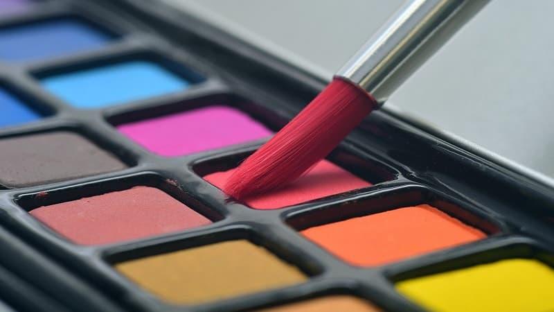 色の配色バランスには注意が必要