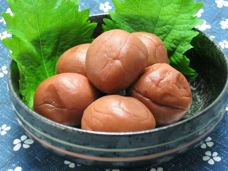 抗菌作用のある梅干しは夏のお弁当に有効