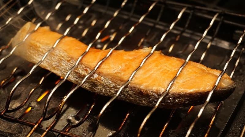 食中毒を防ぐためにも食材は中までしっかり熱を通す