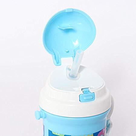 ストロー付きの子供向け水筒