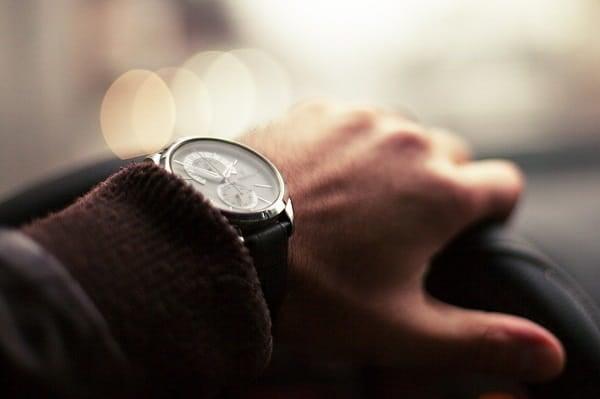 大学の入学祝いはファッション性が高い「腕時計」がおすすめ