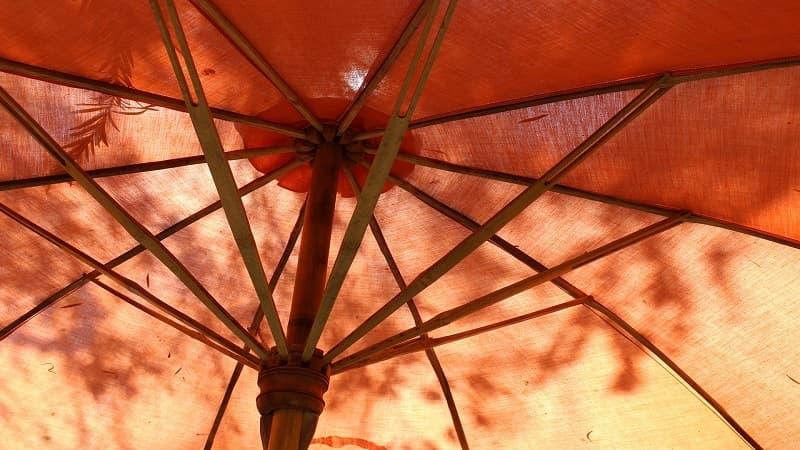 男性が日傘をさすのは恥ずかしい?最近の傾向。