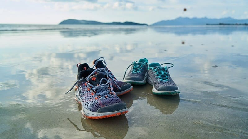 濡れた靴を早く乾かす方法
