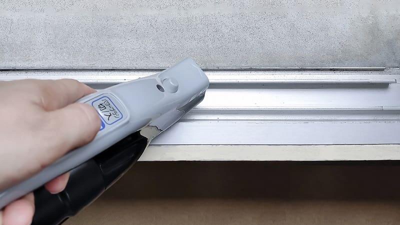 窓サッシ掃除のコツ!簡単な掃除方法・念入りな掃除方法・カビ除去方法を解説