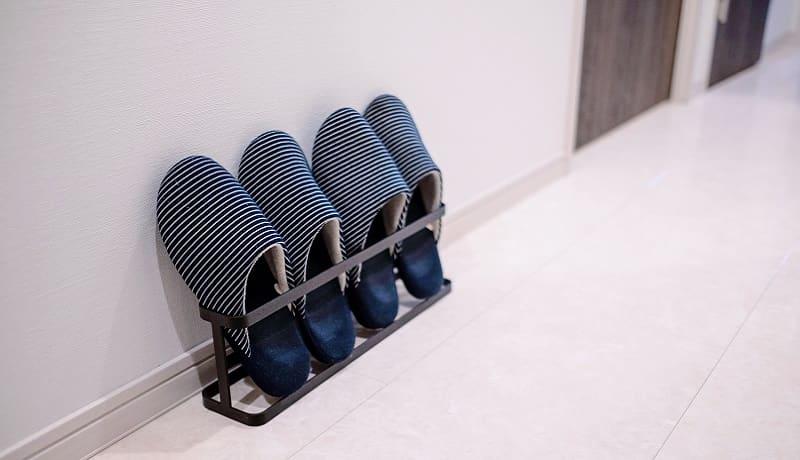 自宅でスリッパを洗う方法!洗濯機での洗い方と手洗いでの洗い方を解説