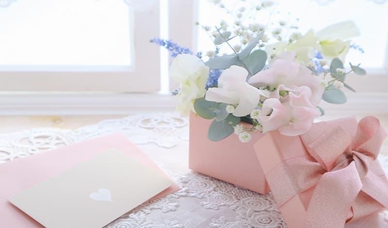 結婚祝いに贈るお祝いメッセージを書く際の注意点とマナー